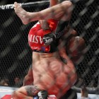 Rampage对Ryan bader 运用slam(猛烈地摔,砸,一种摔技术)